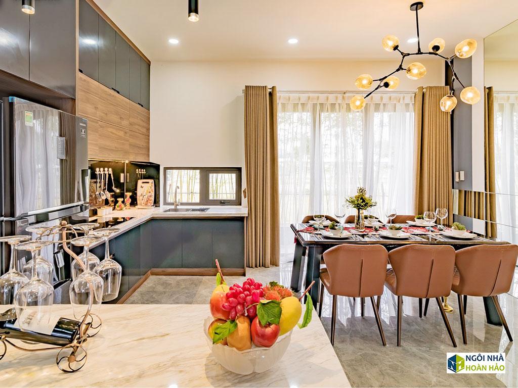 Phòng ăn của căn nhà phố hiện đại cực đẹp
