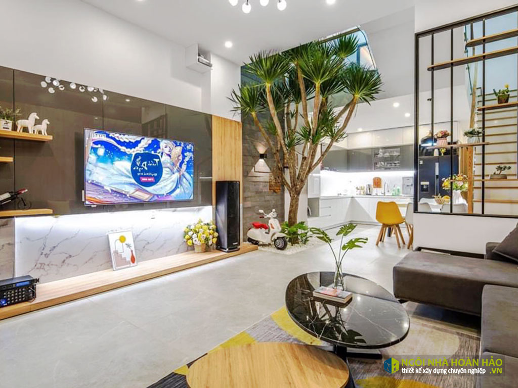 Hình thực tế nhà phố hiện đại: phòng khách view 3